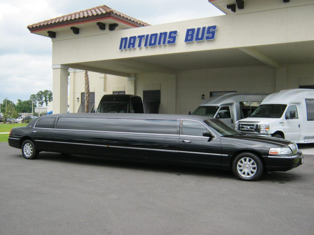 Lincoln 15 passenger charter shuttle coach bus for sale - Gas