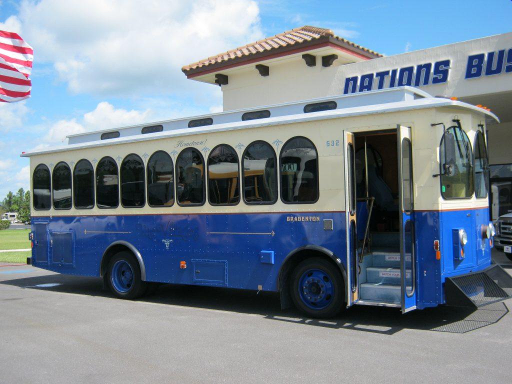 Freightliner 20 passenger charter shuttle coach bus for sale - Diesel