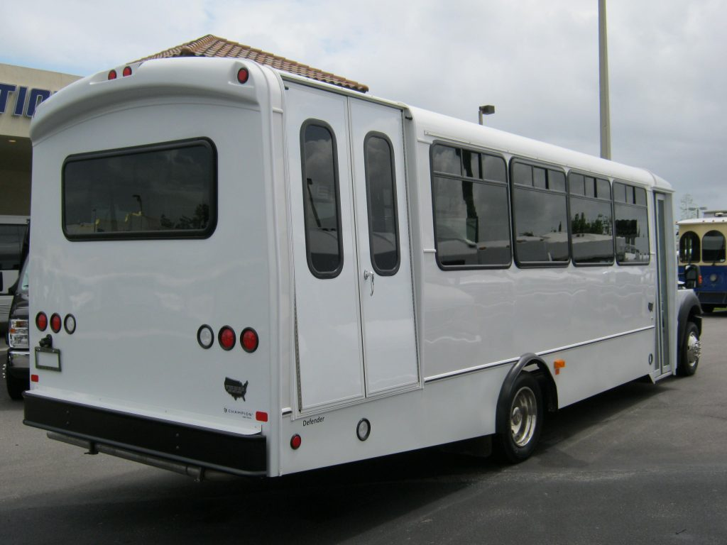 2016 Elkhart Custom Designs KSIR 290