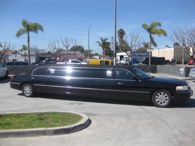 Lincoln 8 passenger charter shuttle coach bus for sale - Gas