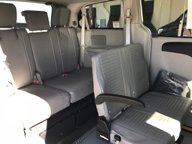 Nations Bus 2017 Dodge Caravan 5 Passengers Gas Bus