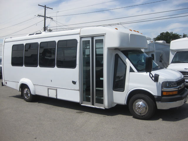 Chevy 4500 20 passenger charter shuttle coach bus for sale - Gas