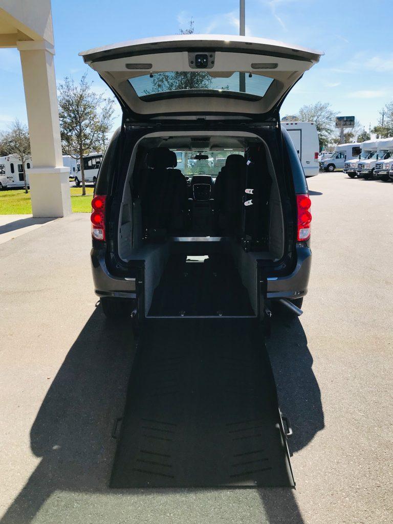 2018 Revability Dodge Caravan SE P/T
