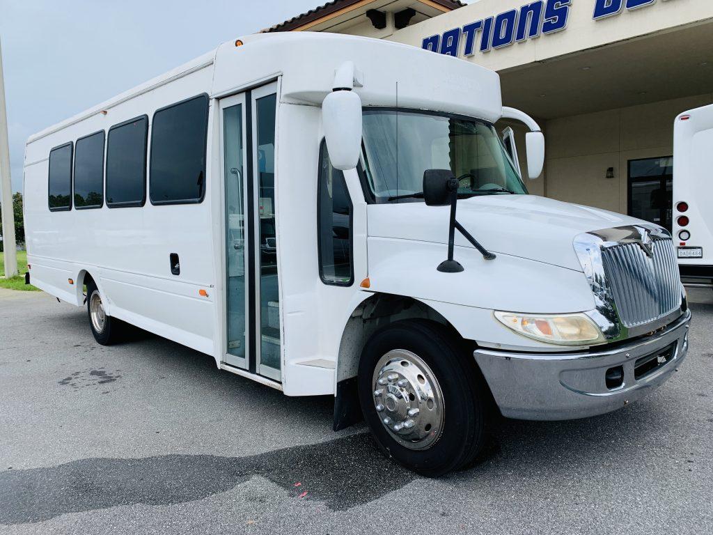 International 25 passenger charter shuttle coach bus for sale - Diesel